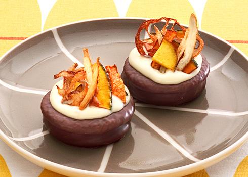 チョコパイに秋の野菜のっけ盛り. レシピイメージ