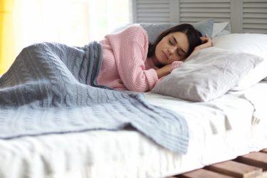 睡眠は時間だけでなく質も重要!ぐっすり眠るための6つの秘訣とは?